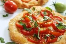 p i z z a + f l a t b r e a d / All kinds of pizzas / by Jonni Lewis