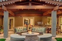 Beautiful Backyards & pools / by Judy Crews