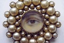 Lovers Eye / brooches