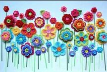 Crochet Garden / Ideas for crocheting a garden of flowers, leaves and wildlife.