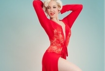 Holiday Lingerie Shopping Guides: Robes & Pajamas