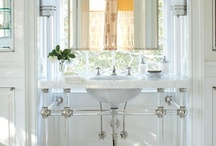 Bathrooms / by Bev Lewyn