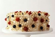 Pretty Pastries / by Juanita Navarro