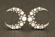 Jewelry and Blingy Stuff / by Juanita Navarro