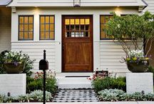 Exterior appeal / A little bit goes a long way / by Little Cottage Shoppe