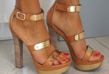 Zapatos!! / by Millain Tuya