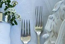 TABLE SETTINGS / Wedding table décor ideas, table settings, centrpieces, rustic wedding tables, luxury wedding tables, vintage wedding table ideas