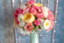 Wedding - Flowers and Floral Centerpieces / by Kelsey