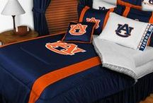 Collegiate Bedding / Show your team spirit with a bedding set featuring your teams logo.