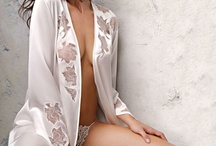 Robes, Kimonos & Wraps