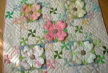 Quilts / by Donna Gibson