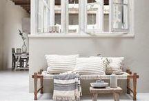 Modern rustikal Einrichtung | modern rustica interior / modern, rustikal, Holz, Rattan, warme Töne, Gemütlichkeit.