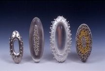 Watches, brooches etc. / Timekeeping and other jewellery - watches, brooches, cufflinks, tiepins etc.