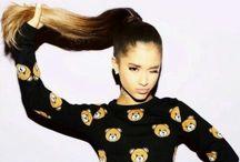 Ariana grande / Singer dancer pop sensation Ariana Grande