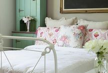 Bedroom Ideas / by Amanda Niederhauser/Jedi Craft Girl