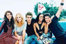 The Vampire Diaries / Nina Dobrev, Ian Somerhalder, Paul Wesley...