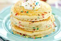 breakfast / Pancakes, egg bake & pastries