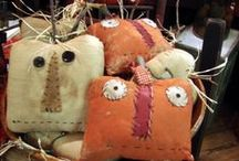 black cats & punkinheads / Halloween décor, craft and party ideas. / by Michele Batye