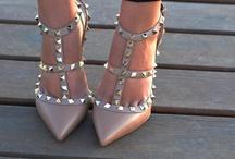 Scarpe a punta / La moda è fatta di eterni ritorni: questa volta tocca  alle scarpe appuntite, must have della primavera estate 2013.
