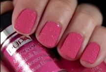 Crystal Look / Se sei in cerca di nuove ed eccentriche nail art? Lasciati ispirare!
