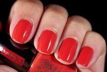 Lasting color gel by Pupa / Ogni giorno un colore diverso con gli smalti Lasting color gel by Pupa. http://bit.ly/1bkD6sF