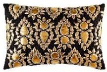 <Pillows>