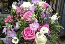 Liverpool Wedding Flowers / As your wedding flowers are an important part of your wedding day, choose some that reflect your personality, the style of your wedding, your dress, as well as the wedding colours and venue. Here is some inspiration for you.