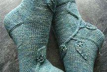 Knitting socks, slippers & mittens