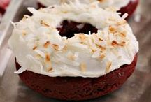 Red Velvet Love / Love Red Velvet? Tons of great Red Velvet Recipes!