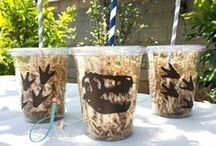 Dinosaurs|Jurassic Park Party Ideas / Dinosaur themed favor tags, cupcake toppers and party cups.