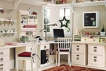 Office & Studio Ideas / by Michele Yates {The Homesteading Cottage}