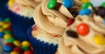 Cupcakes, Frosting, and Baking Tips / New cupcake recipes to try! Yum!