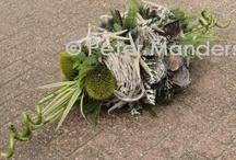 afscheidsbloemen / funeral flowers / bloemen, bloemenarrangementen, bloemdecoraties rondom de uitvaart, afscheid met bloemen