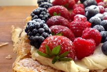 Delicious / Delicious vegetarian food, salads, desserts and sweets / by Arja Veentjer