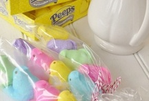 Easter with PEEPS! / It's just not Easter without my PEEPS! Because of my LOVE of all things PEEPS I'm pinning my favorite products and projects all PEEP related. #PeepsFan