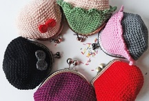 Crocheted & knitted bags / Crochet and knitting patterns, projects and inspirations.  If you would like to contribute in this board, send me an email to hannicraft [at] gmail [dot] com. Pin anything crochet or knitted bag (purse/tote/wallett/pouch/etc.) related picture.  Ps.: if you don't want to receive email notifications just turn off in your settings.