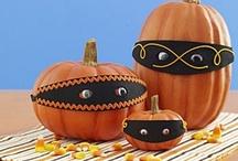 Halloween & Autumn / by Cherie Bandal