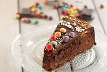 Cakes and Pies / Delicious sweets and scrumptious treats!  These cakes and pies are all to die for!