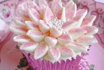 Cupcakes / Cupcakes very kind flavor and design / by Gwen Meyer-Wood