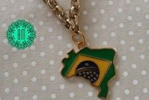 Coleção Brasil / Acessórios para você ficar linda na Torcida!!  Montagem nas cores da Copa ou em outras cores também, como preferir, sob consulta.  Sob Medida! Preços especiais para atacado!  Pede já!!