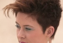 Hairstyles / by Gloria Lassich