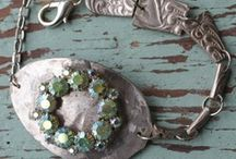<Jewelry>