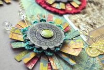 <DIY: Flowers> / Beautiful flowers created with papers or fabrics or...
