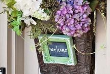 """Door """"Welcome"""" displays"""