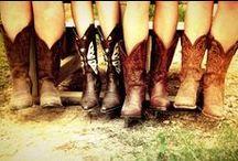 Country Girl<3 / by Mariah Kirk