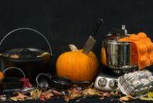 Halloween / Op 31 oktober is het Halloween, de tijd van het jaar om te griezelen. Bij Oldenhof vindt u alles voor duister gebak of slijmerige stoofpotten. Brouw soep van pompoen - dit kan zelfs in de tuin! - en serveer de soep in de kleine ketels van Lodge! Deze Halloween wordt onvergetelijk…