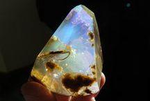 原石 Gemstone