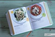 """""""SaladLove"""" press / This is a book of 260 delicious, healthy salads — one for every weekday of the year — each of which was made, photographed and eaten by David Bez in his own office. With fresh ingredients, minimum preparation and maximum flavour, Salad Love shows you David's own simple approach to ensure your desk lunch will never be the same again."""
