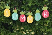 ☆ Summer Party Inspiration / Make the most of those long, hot days with the perfect summer party! We're talking glitter, ice cream at the beach and as many fruity cocktails as possible.