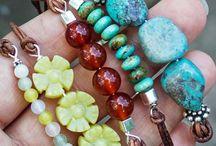 Beading and Jewelry Making / by Amanda Pruneda